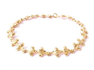Bracelet mit Lilienornamenten in Gelbgold