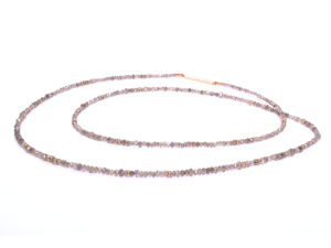 Kette mit naturfarbenen Diamanten und Rotgold