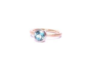 Ring mit Turmalin in Rot- und Weissgold