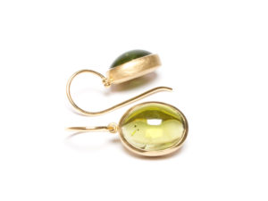 Ohrhänger mit Peridoten in Gelbgold